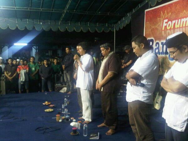 "Reportase Maiyah Bangbang Wetan ""Syawalan Bersama Seniman Surabaya"" PART 7"