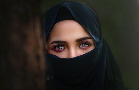 Mencintai Seorang Feminis