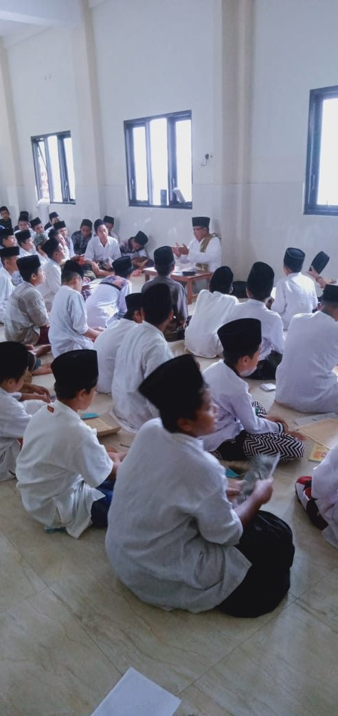 Multitasking Santri – Amul Huzni (1)