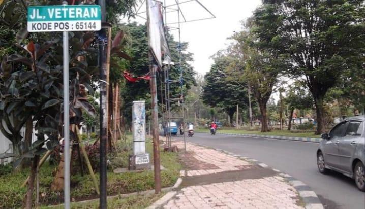 Rumah Wak Jan di Pojok Jalan – Romantika Kamar Kost Mahasiswa (3)